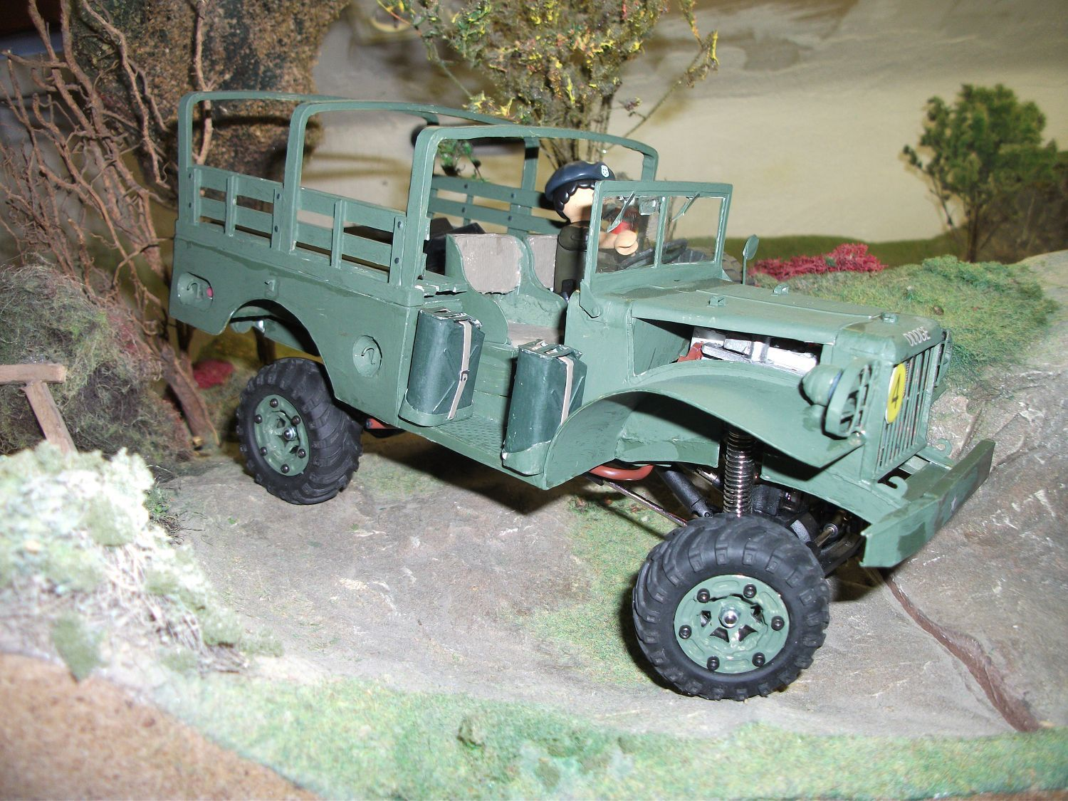 Walter Gindler's Dodge WC 51 RC-Kartonmodell 1:18